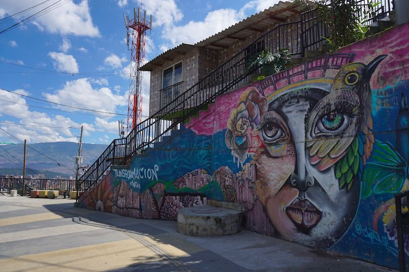 "Mural en Comuna 13: ""Transformación"" ;)"