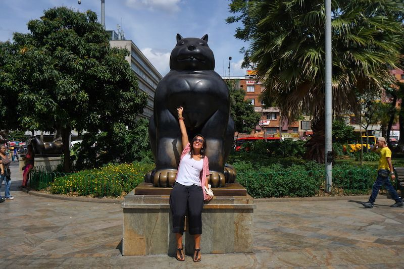 Inês con Gato, Plaza Botero, Medellín
