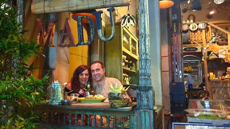"""Cenamos en el Waroeng """"Bernadette"""" en Ubud, muy recomendable, ¡nos encantó!"""