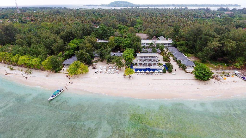 En este resort podrás relajarte y disfrutar de la playa a todas horas