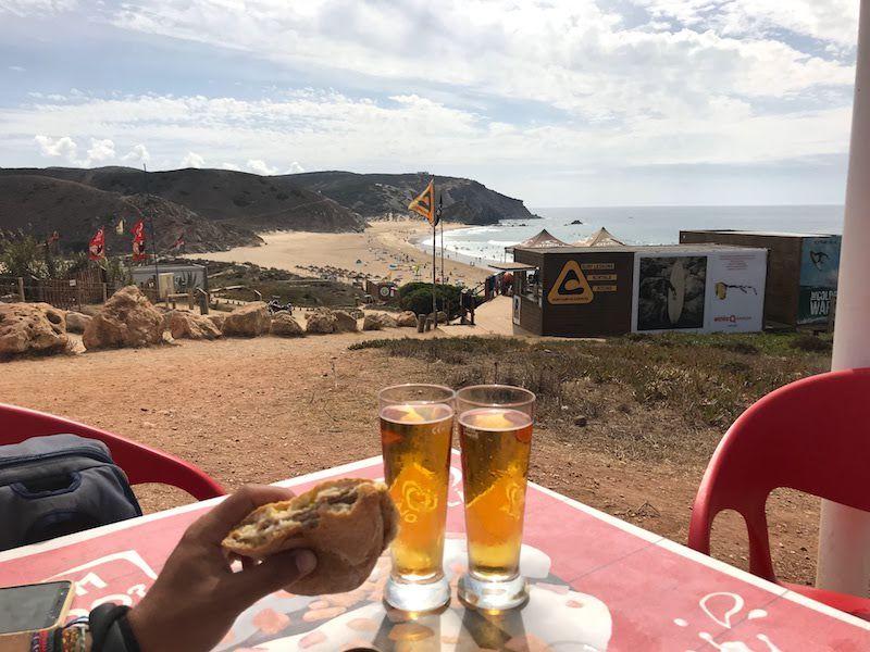 Bifana e Imperial en Playa de Amado con sus escuelas de surf