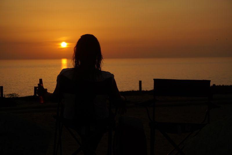 """Aquí estrenamos el """"Random Sunset Beer O'Clock"""" de la costa alentejana que cumpliríamos religiosamente cada día, con unas cervezas viendo el sol despedirse en el mar"""
