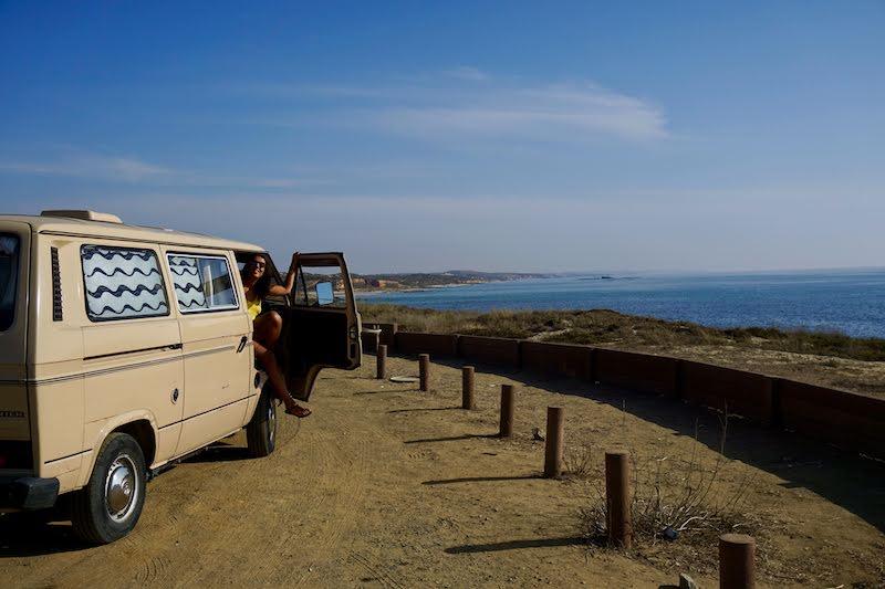 Paramos en la playa de São Torpes para un chapuzón antes de seguir camino. Curiosidad: aqui el agua siempre está más caliente debido a la central termoeléctrica que se encuentra cerca.