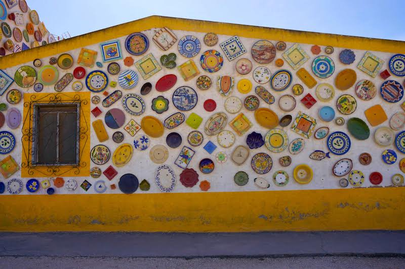 La fábrica y tienda de cerámica algarvia regentada por mujeres