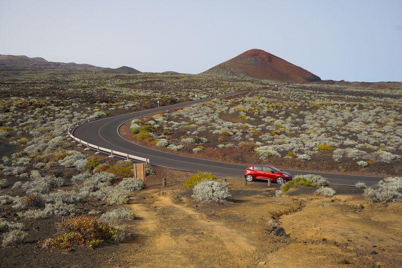 """A nuestro coche de alquiler lo bautizamos """"Lava"""" por su color y por ser de una isla volcánica como es El Hierro"""