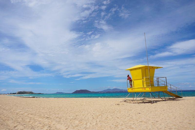 Grandes Playas de Corralejo. Disfrutamos de la playa todos los días ¡a principios de Marzo!