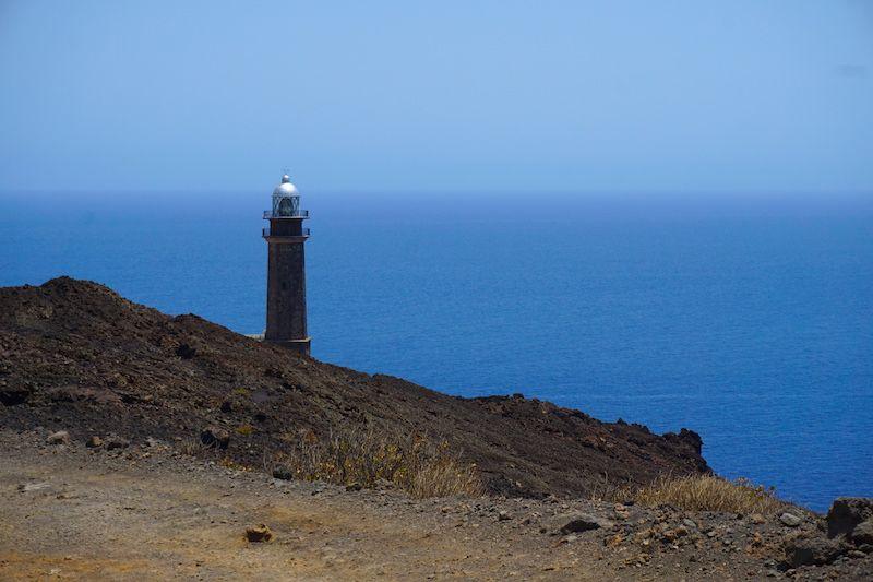 El Faro de Orchilla donde tendrás, al menos, una cita para disfrutar de un atardecer