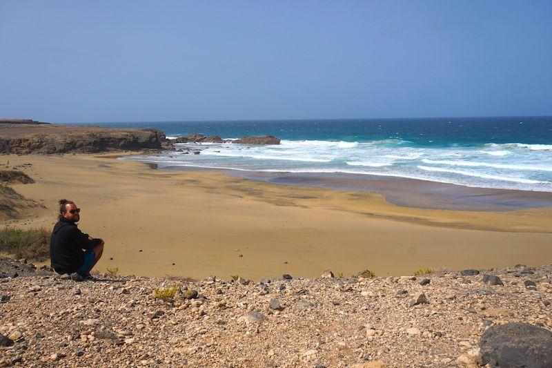 Chris y la playa de Jarugo