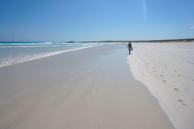 Playa Brava. Aguantamos las ganas de chapuzón un poco más, aquí no nos podemos bañar