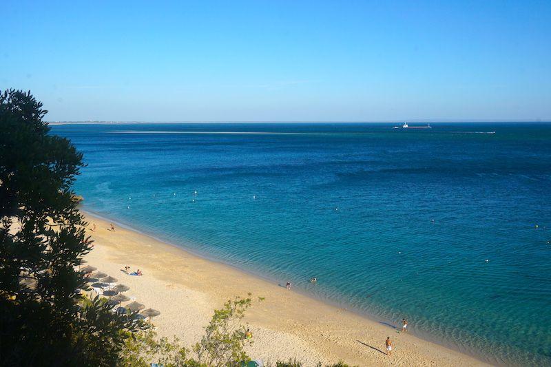 La playa de Galápos en Primavera
