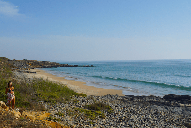 Siempre que bajamos hacia el sur paramos para darnos un chapuzón calentito en São Torpes: sabemos que agua más caliente que esta, no la vamos a encontrar en esta costa...
