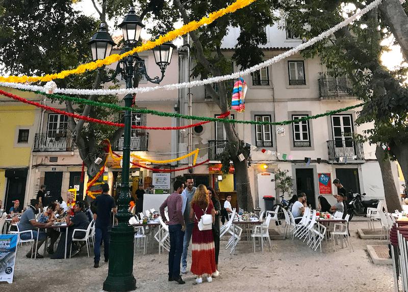 Plaza de Fonte Nueva y sus restaurantes de pescado a la brasa