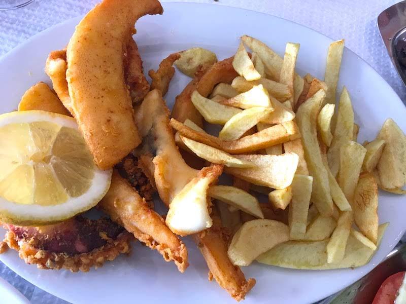 Choco Frito, la estrella gastronómica setubalense (juntamente con el pescado a la brasa)