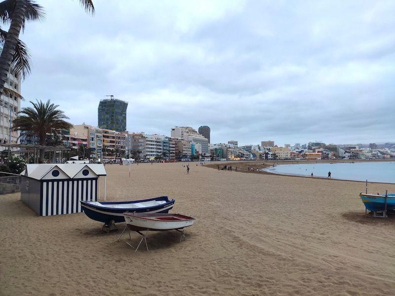 El paseo marítimo de Las Canteras es el centro neurálgico de la capital