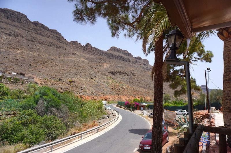 Terraza del restaurante La Cuevita en Ayagaures
