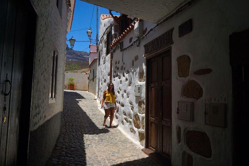 Bajando la calle más bonita de Tunte (San Bartolomé de Tirajana): el Callejón Princesa Guayarmina