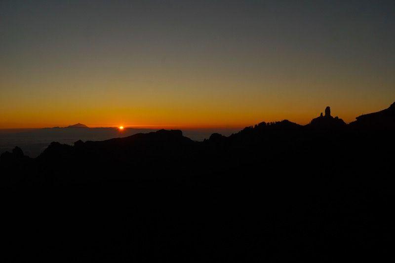 El Teide desde la ventana del Nublo, segundos antes de que el sol se escondiera