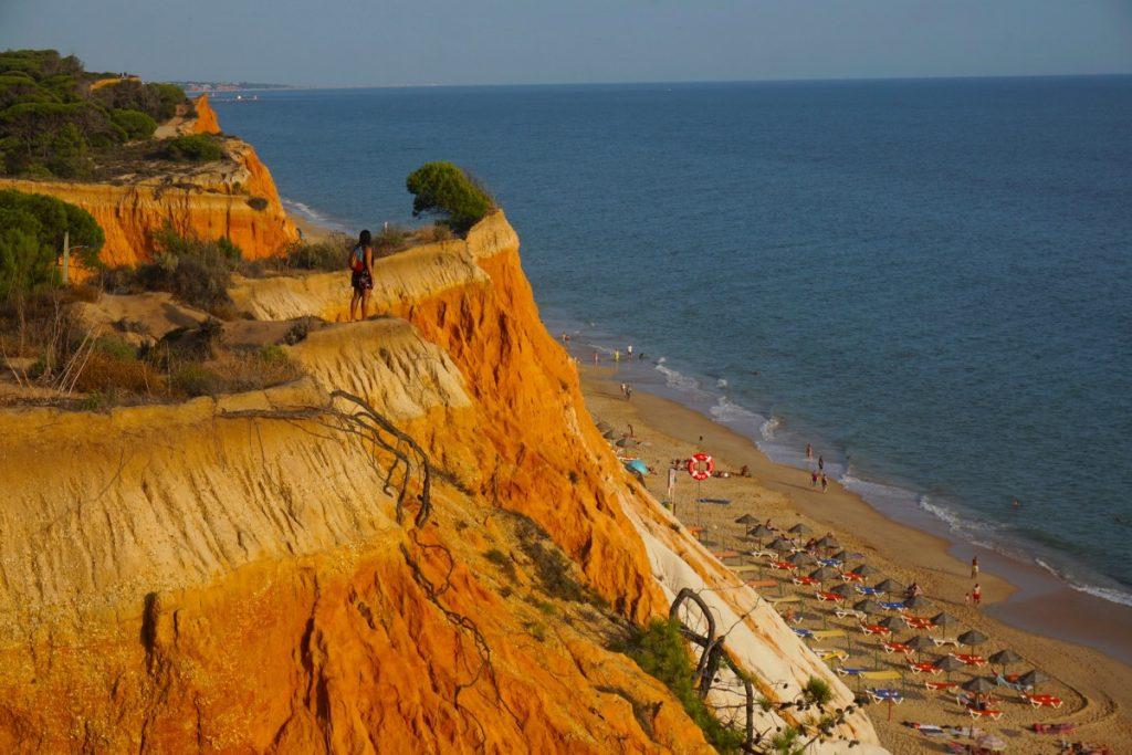 Praia da Falésia o, como nos gusta llamarla, el Tatacoa portugués con mar