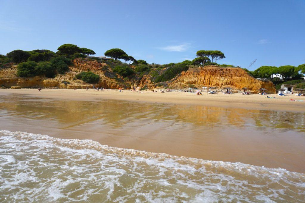 Santa Eulália, playa de Albufeira. Entramos en la cara más turística del Algarve.